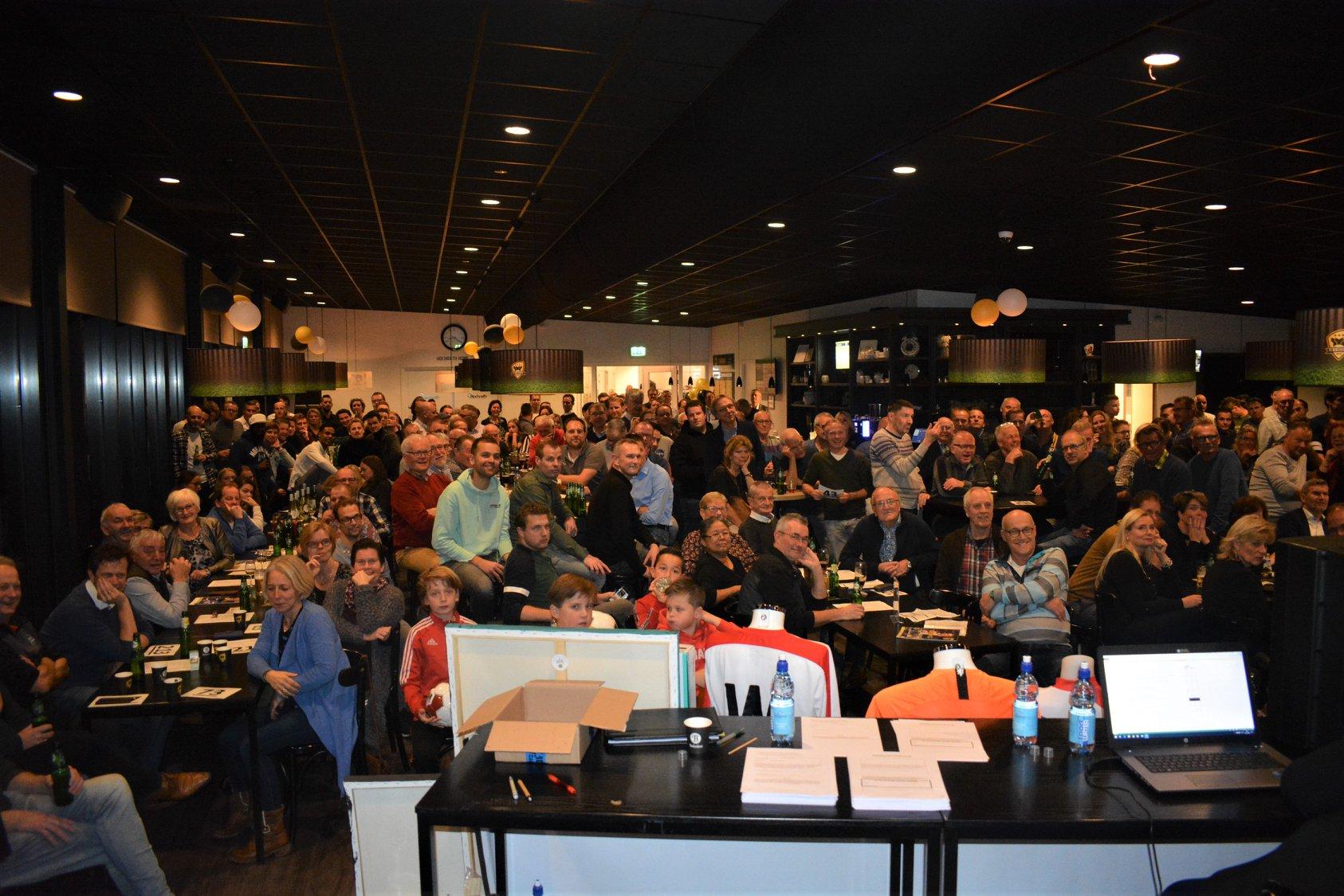 Publiek Past Bijna Niet Meer In Kantine Bij Veiling FC Winterwijk